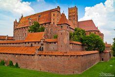 P h o t o g e o g r a p h y: Malbork - the world's largest brick castle