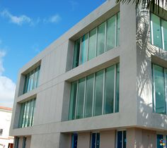 ModernPrivate Residence in Ft. Lauderdale, FL: Exterior in Marmorino Naturale (Lime Plaster) │ http://bit.ly/1wjqlL2   #Architecture #Design #Paint #LimePlaster #Lime #Oikos #Decofinish