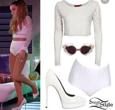 Outfit + colour = white outfit