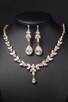 Rose gold Bridal Bridesmaid Jewelry set .Long Earrings #Jewelryinspiration #GoldJewellerySet #GoldJewelleryEarrings