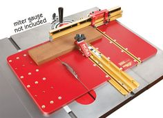 Converts ANY Miter Gauge Into A Crosscutting Power House! Upgrade your miter gauge to the safety and extra crosscutting capacity of INCRA Miter Express sled. Converts ANY miter gauge into a crosscutting powerhouse, providing u Table Saw Workbench, Table Saw Jigs, Router Table, Table Saw Crosscut Sled, Table Saw Sled, Home Made Table Saw, Diy Table Saw, Router Sled, Table Saw Station