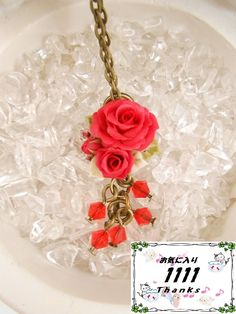 ★クリスタ★樹脂粘土薔薇とスワロフスキーのプチネックレス 赤 by クリスタ アクセサリー ネックレス