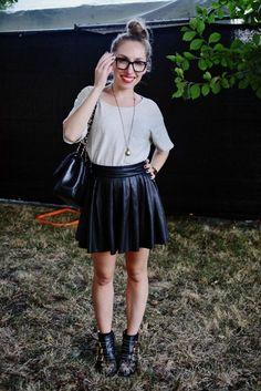 Leather mini-skirt + glasses