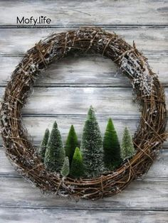 nice and simple Christmas wreath idea! beautiful and simple Christmas wreath idea! # Weihnachten # ideen The post beautiful and simple Christmas wreath idea! appeared first on Crafting ideas. Christmas Tree Wreath, Noel Christmas, Christmas Projects, Winter Christmas, Holiday Crafts, Holiday Wreaths, Winter Wreaths, Christmas 2019, Rustic Christmas Trees