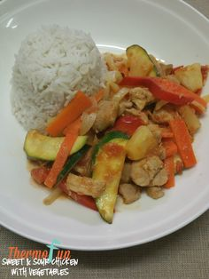 A classic take on a sweet and sour chicken all done with the thermomix! This one will surely be a winner for all the family - you may have 1 extra bowl to f Pork Recipes, Cooker Recipes, Asian Recipes, Chicken Recipes, Decadent Food, Asian Pork, Sweet Sour Chicken, Food Club, Main Meals
