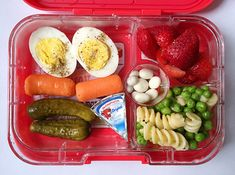 I need containers like these for my meal prepping! Yumbox Panino & Bento Ideas | HelloBee