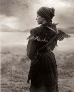 'Last Comes The Raven' by Beth Moon 2007 This is so beautiful! Celine, Theo Theo, Raven Tattoo, Moon Pictures, Kingdom Come, My Demons, Natural World, Art Photography, Inspiring Photography