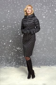 A Complete Guide to Choosing The Perfect Coat That Complements Your Taste This Season - Best Fashion Tips Winter Dresses, Winter Outfits, Mode Chic, Urban Chic, Down Coat, Fashion Lookbook, Winter Wear, Pull, Coats For Women