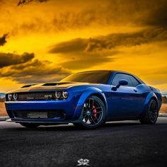 The harder you work for something, the greater you will feel when you achieve it 💪😈 Demo Dodge Muscle Cars, Best Muscle Cars, Luxury Car Brands, Best Luxury Cars, Mustang Cars, Ford Mustang Gt, Ford Mustang Wallpaper, Dodge Challenger Srt Hellcat, Pony Car