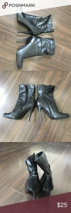 Aldo stiletto high heel boots Round closed toe stiletto boots, 4in heels Aldo Shoes Heeled Boots