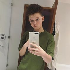 "216.3 k mentions J'aime, 6,798 commentaires - Jacob Sartorius (@jacobsartorius) sur Instagram : ""Good morning"""