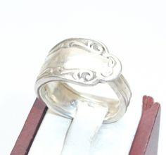 Schlanker Ring 17,1 mm mit antikem Muster SR153 von Atelier Regina auf DaWanda.com