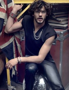 Marlon Teixeira Appears in El Palacio de Hierro Fall/Winter 2013 Catalogue image mt pala005 800x1040