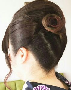 Roll Hairstyle, Hair Dos, Rolled Hair, Japan, Earrings, Beautiful, Jewelry, Fashion, Up Dos