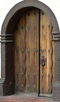 This Antique Castle Door Is Over 290 Years Old, Butron Castle 13th Century | Spain