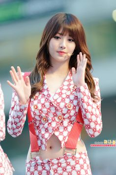 Kim Ah-young (Yura - Girl's Day). Cute Girl Poses, Cute Girl Pic, Cute Girls, Ulsan, Sexy Asian Girls, Beautiful Asian Girls, Girl's Day Expectation, Korean Beauty, Asian Beauty