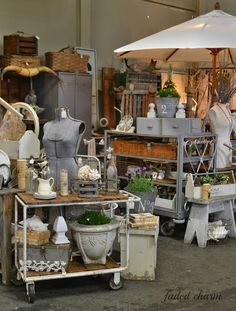 Faded charm: farm & frills show booth examples vintage store displays, Antique Store Displays, Flea Market Displays, Flea Market Booth, Vintage Display, Antique Stores, Flea Markets, Shop Displays, Vendor Displays, Retail Displays