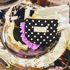 昨日のイベントではこのポーチがすっごく人気でした〜(͒⑅′࿉‵⑅)͒ෆ* 在庫がわずかになっちゃったのでまた作らんと! がんばりまーすヾ(◍'౪`◍)ノ゙ #ハンドメイドポーチ#フリル#ドット#迷彩#ダマスク Photo Finder, Like Instagram, Handmade Accessories, Diy Beauty, Sewing Crafts, Diy And Crafts, Lunch Box, Pouch, Stock Photos