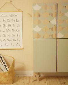 Inspiration - Prettypegs...lovely feet on Ikea Ivar cupboard...
