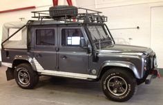 LAND ROVER DEFENDER TOMB RAIDER LE DOUBLE CAB TD5