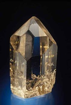 A gorgeous brown topaz crystal from the Mogok region of Burma. 4.8 cm. high. Carl Larson collection. Photo: Jeff Scovil