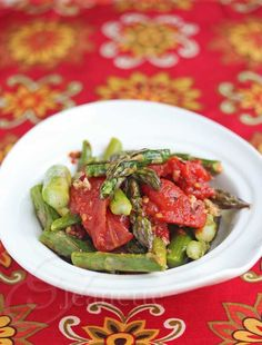 Easy Roasted Tomatoes and Spring Asparagus © Jeanette's Healthy Living #SensationalSides