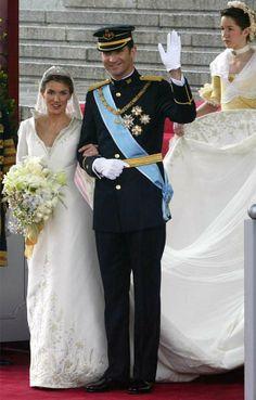 princess Letizia wedding   Letizia, Princess of Asturias wore a gown by Spaniard Manuel Pertegaz.