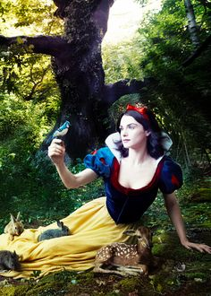 favourite photoshoots of favourite people || Rachel Weisz as Snow White, photographed by Annie Leibovitz