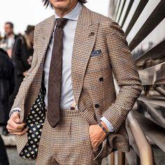 Francesco Celentano - Bespoke #doublebreasted #suit (@bottegadalmut) on wool 14milmil14 (@zegnaofficial) //