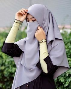 Ideas eye hooded people for 2019 Arab Girls Hijab, Muslim Girls, Casual Hijab Outfit, Hijab Chic, Hijabi Girl, Girl Hijab, Islamic Girl Pic, Cute Korean Fashion, Simple Hijab
