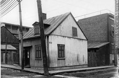 Houses for Mr. Meredith, corner of Barré and Aqueduct Streets, Montreal, QC, 1903 Montreal Ville, Montreal Quebec, Colonial Architecture, Parcs, Rue, Vintage Images, Old Photos, Corner, Museum