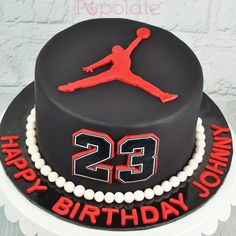 Awesome Picture of Jordan Birthday Cakes Tolles Bild von Jordan Birthday Cakes. 23 Birthday Cake, Birthday Cake For Boyfriend, 23rd Birthday, Michael Jordan Cake, Michael Jordan Birthday, Sports Themed Cakes, Basketball Birthday Parties, Funny Cake, Cakes For Boys