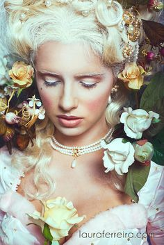 Marie Antoinette Photographer Laura Ferreira brings us this beautiful portrait filled with flowers. The combination of the white hair, white. Costume Marie Antoinette, Portrait Photography, Fashion Photography, Photography Flowers, Rococo Style, Kirsten Dunst, Arte Floral, Looks Cool, Belle Photo