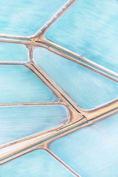 blue salt fields in northern Australia | by landscape photographer Simon Butterworth | via Est-Magazine