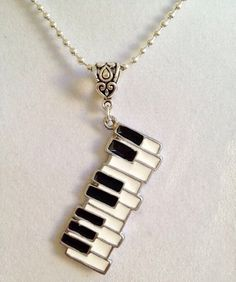 Imagem via We Heart It https://weheartit.com/entry/157685741 #accesories #art #beautiful #blackandwhite #boys #collar #creative #cute #decor #diy #fashion #gift #girl #girls #happy #lovemusic #music #musica #piano #pianos #song #style #sweet #tumblr #accesorio #creativo