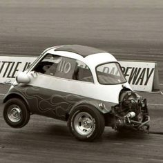 BMW Isetta - wheels up