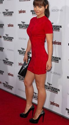 Christina Ricci, Beautiful Christina, Christina Aguilera, Beautiful Celebrities, Beautiful Actresses, Gorgeous Women, Beautiful People, Beautiful Legs, Seinfeld