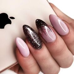 Best Nail Art Designs – 52 Nail Art Designs – Hashtag Nail Art - Rosa Pink Nails - Best Nail World Nail Color Trends, Nail Colors, Gorgeous Nails, Pretty Nails, Nice Nails, Nail Art Rosa, Winter Nails Colors 2019, Almond Nail Art, Almond Nails Pink