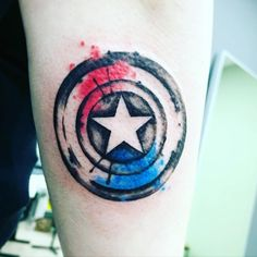 Captain America's shield splash of color tattoo Cute Girl Tattoos, Great Tattoos, Unique Tattoos, Captain America Tattoo, Captain America Shield, Avengers Tattoo, Marvel Tattoos, Farmer Tattoo, Shield Tattoo