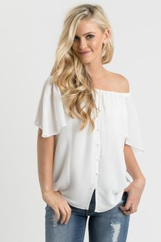 Your favorite off-the-shoulder blouse is here in a versatile white color! Off the shoulder blouses will always be our favorite...