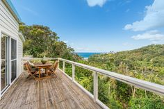 25 & 25a Plateau Rd. Avalon Beach 3 Bed 2 Bath 3 Car   http://www.belleproperty.com/buying/NSW/Northern-Beaches/Avalon-Beach/House/77P1296-25---25a-plateau-road-avalon-beach-nsw-2107