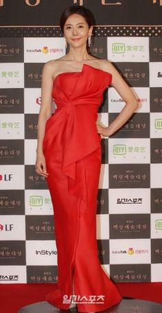[2015.05.26] Yeom Jung Ah at the 2015 51st Paeksang Arts Awards