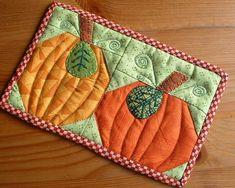 - Pumpkin Duo Mug Rug . Love the fall! Love Pumpkins!