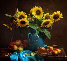 Still Life Drawing, Still Life Art, Sunflower Photography, Still Life Flowers, Still Life Photos, Sunflower Art, Painting People, Plant Design, Still Life Photography