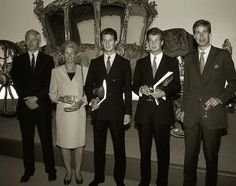 Luxarazzi : Prince Hans-Adam II and Princess Marie of Liechtenstein with their sons Hereditary Prince Alois and Prince Max and Hans-Adam's youngest brother Prince Wenzel at the opening of an exhibition, July 1990.