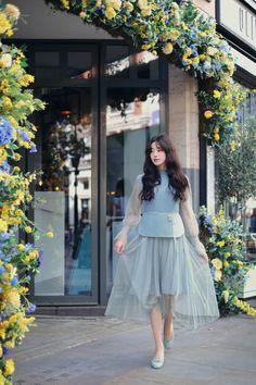 daily 2018 feminine & classy look Ulzzang Fashion, Ulzzang Girl, Korean Fashion, Beauty Photography, Fashion Photography, Modern Fashion Outfits, How To Look Classy, Girl Model, Simple Dresses