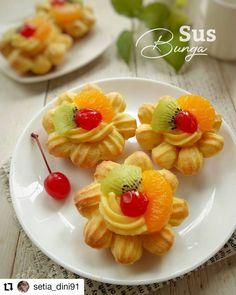 Kid Veggie Recipes, Kids Cooking Recipes, Cooking Cake, Fun Easy Recipes, Fun Cooking, Sweet Recipes, Snack Recipes, Indonesian Desserts, Indonesian Cuisine