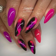 Give fashion to your fingertips with nail art designs. Donned by fashionable celebrities, these kinds of nail designs can add instantaneous style to your apparel. Black And Purple Nails, Bright Pink Nails, Bright Nail Art, Pink Nail Art, Pink Acrylic Nails, Simple Nail Art Designs, Nail Designs Spring, Cute Nail Designs, Sexy Nails