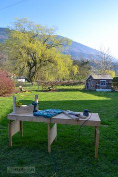 Outoor workshop folding table