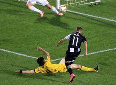 Eurolegue 2015/16: Paok Saloniki-B.Dortmund 1:1 - Stattdessen waren es die Gastgeber, die durch einen Traumschuss von Róbert Mak 1:0 in Führung gingen (34. Minute).